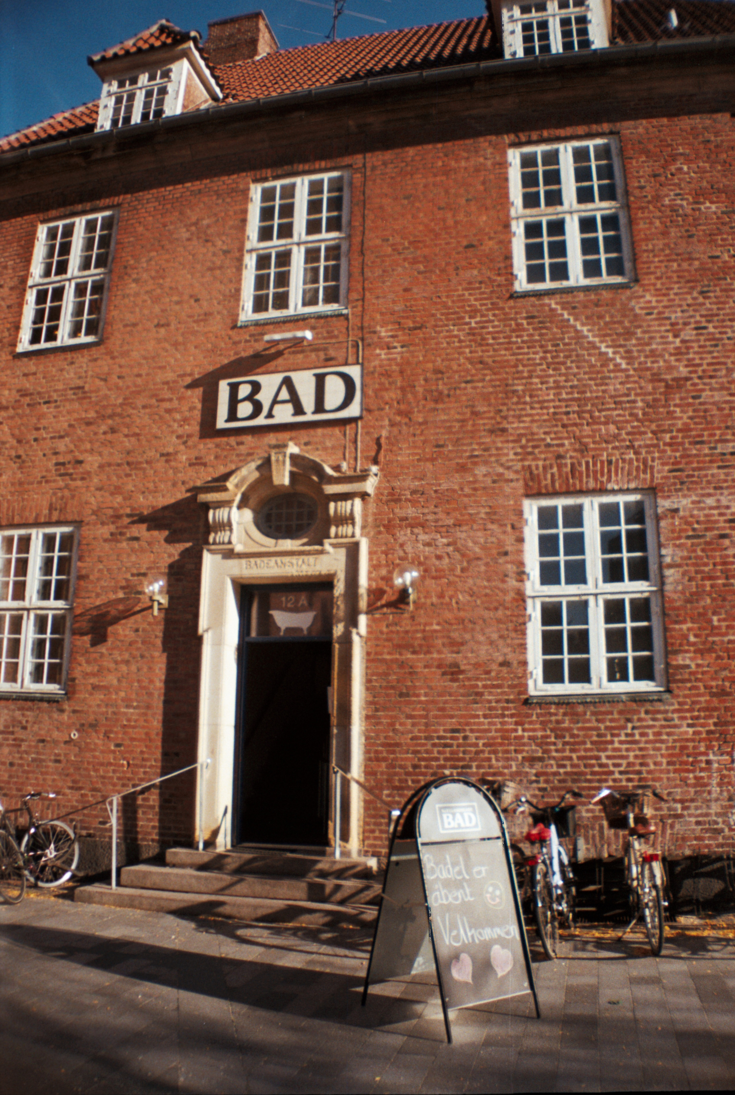 Entrance to Sjællandsgade Bad , Sauna Saunagus Bathhouse Bathtub Karbad Nørrebro København Copenhagen Copenhej