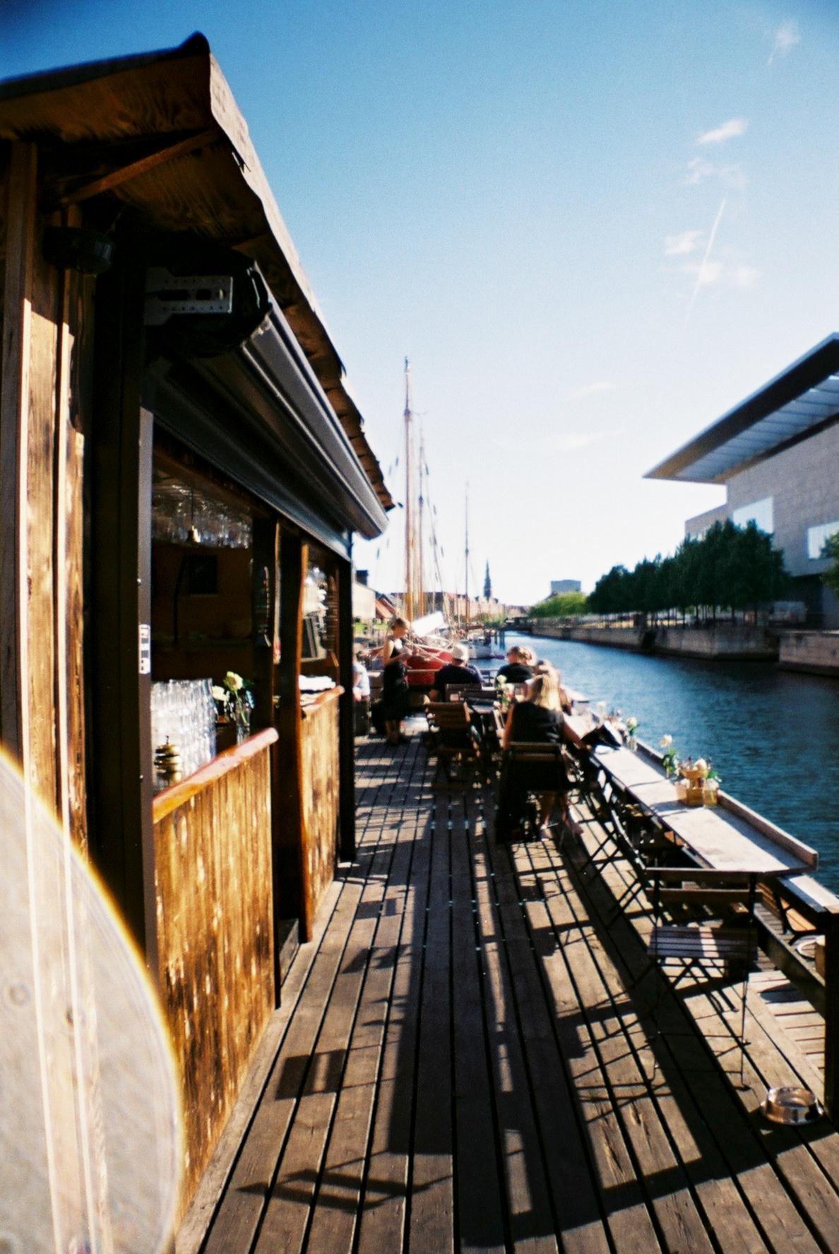 Kontiki Bar Restaurant Floating Ferry Canal Opera house Holmen København Copenhagen Copenhej
