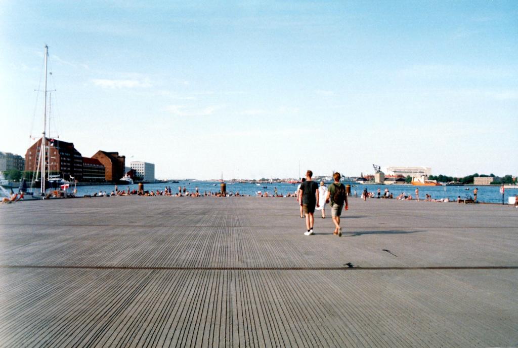 Ofelia Plads Badested Havn Harbor Swimming Spot Nyhavn Concrete Pier Mole Kyssetrappen København Copenhagen Copenhej