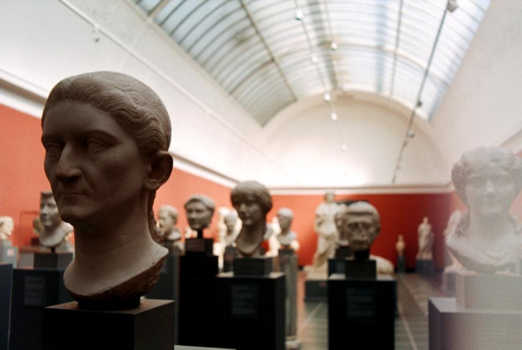 Glyptoteket Art Museum Sculptures Faces Kunst Samling København Copenhagen Copenhej