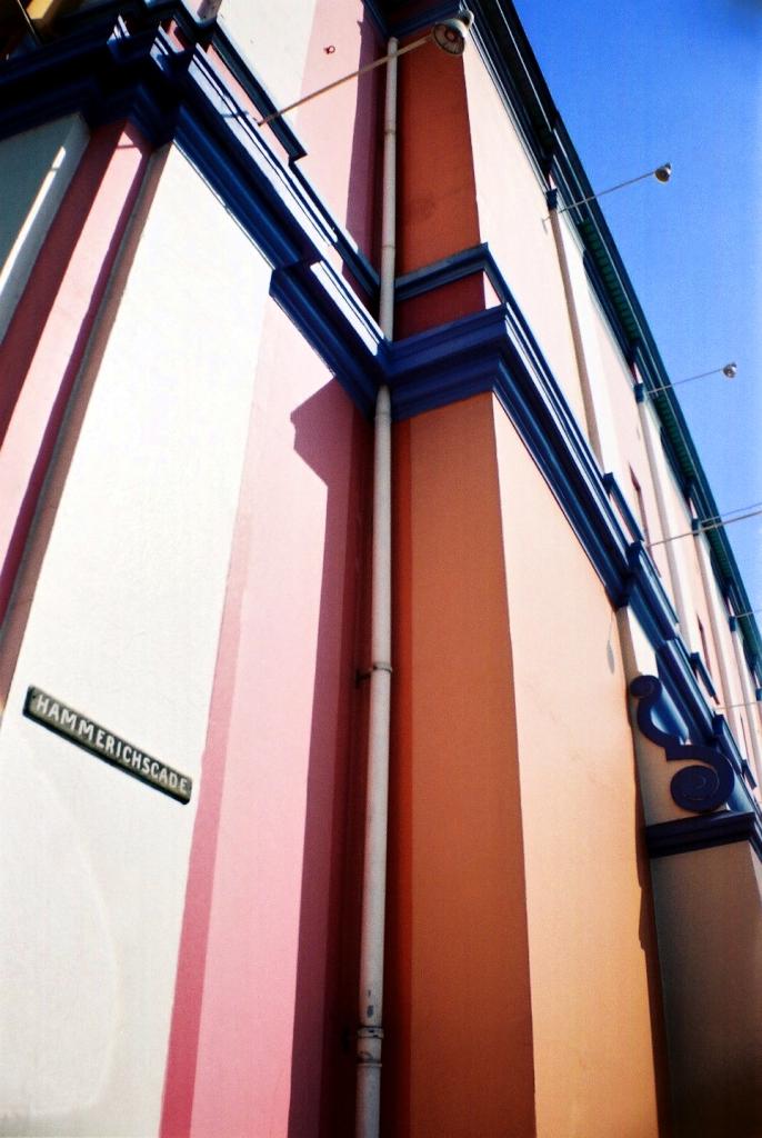 Palads Biograf Cinema Poul Gernes Bolsjefarved Facade København Copenhagen Copenhej
