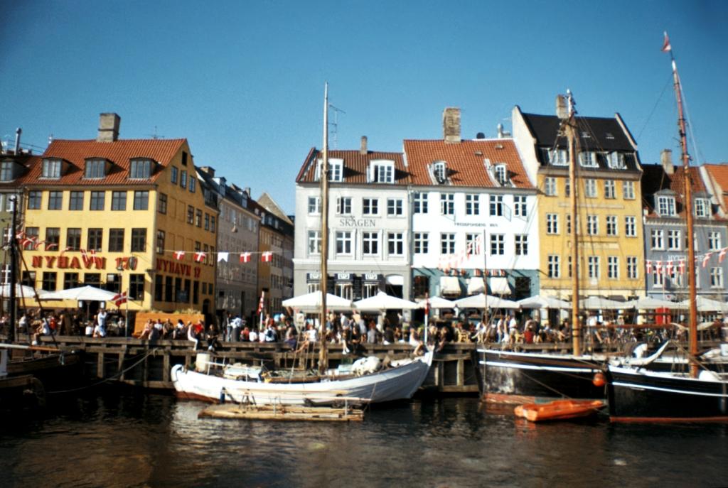 Nyhavn Guide Canal Boats Indre By København Copenhagen Copenhej