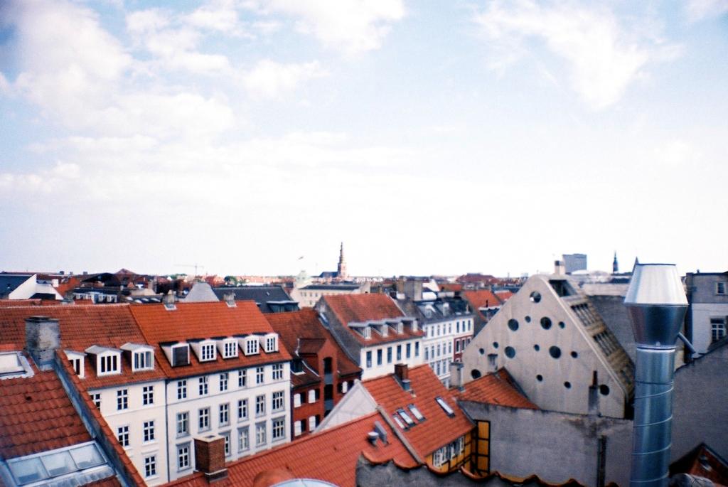 Tagudsigt over Nyhavn havnekvarter, Guide Indre By København Copenhagen Copenhej